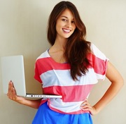 pretty-girl-with-computer-seo1 (1)