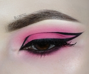 Pink Eyeshadow & Graphic Eyeliner