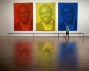 Obonjo in a gallery