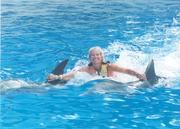 DolphinKissAndSHelley 003