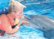 DolphinKissAndSHelley 004
