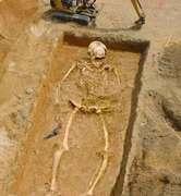 giant-skeleton-2