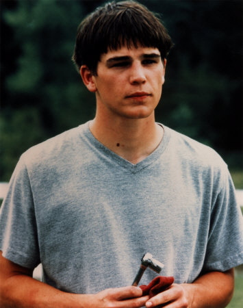 Josh-Hartnett---Gray-Tee-Photograph-C10042169