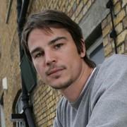Josh Hartnett photographed by Rebecca Reid (2008).