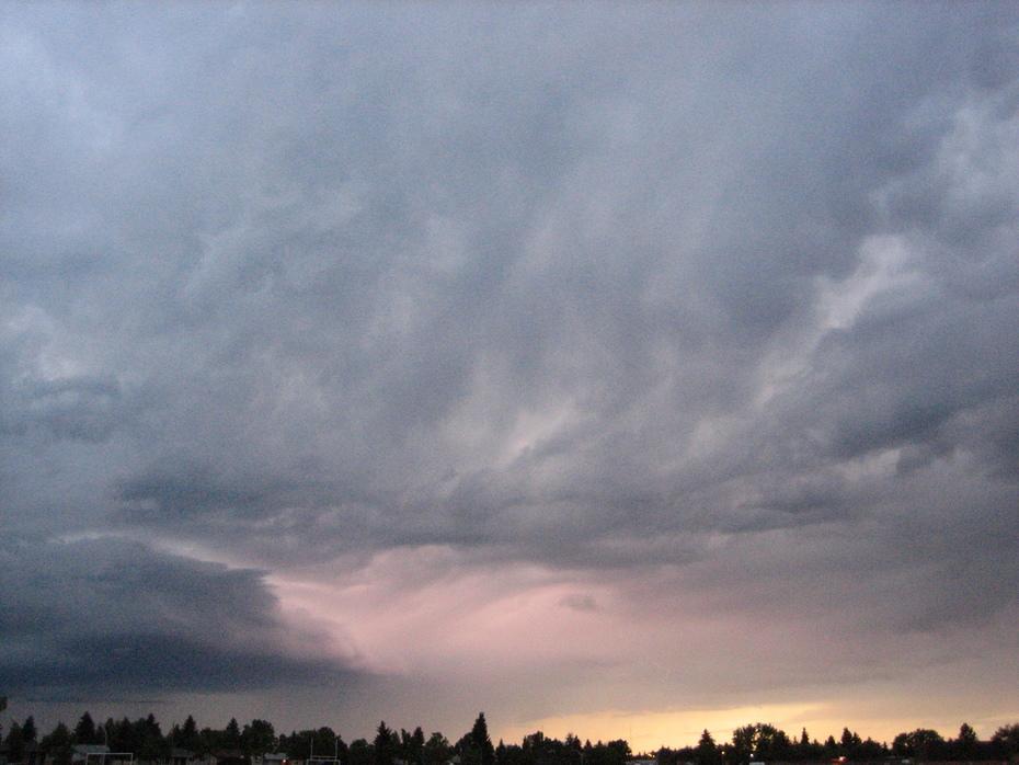 storm cloud + pink lightning illumination