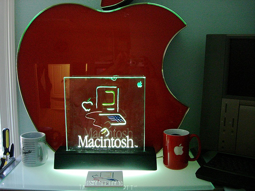 Macintosh Picasso Sign
