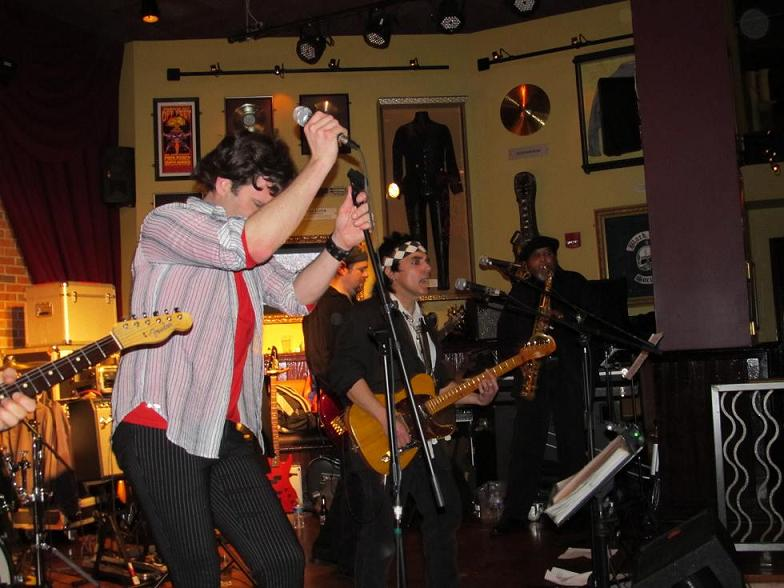 JAMIN' WITH THE BAND AT THE HARD ROCK CAFE IN PITTSBURGH, PA. - 3/11/2011