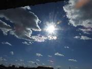 太陽と不思議なオーブたち