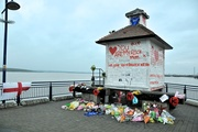 Shrine to suicide on Erith Pier.