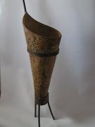 Vase in Metallständer