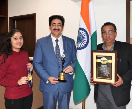 5th World Record of Sandeep Marwah Registered With Vajra