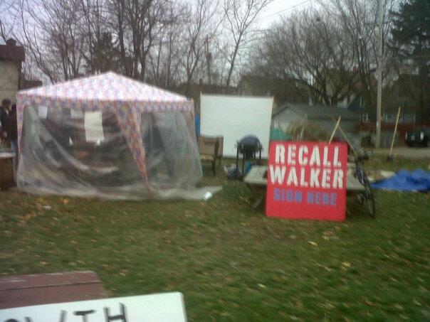 occupy mke camp with temporary shelter Nov 2011