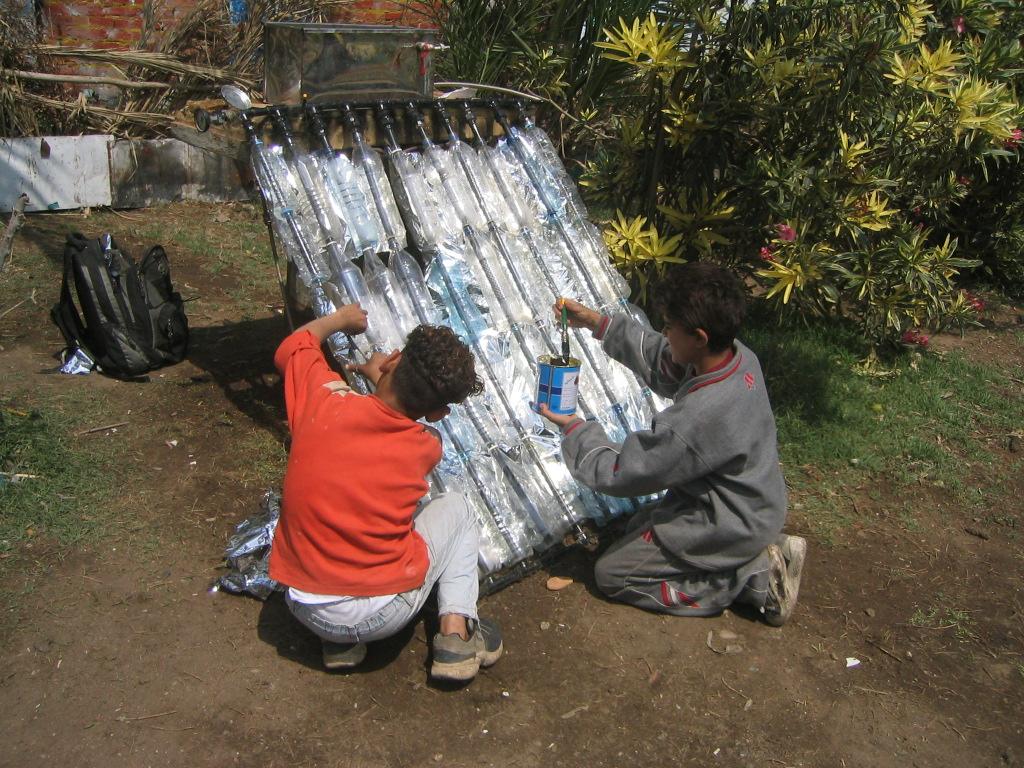 Plastic Bottle Solar Water Heater