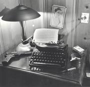 desk800_600