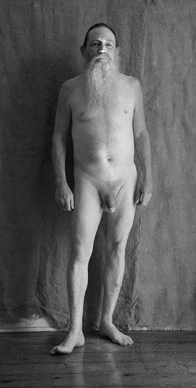 Me Nude Again