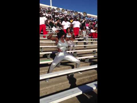 """MVSU BLOWS """"NOBODY DOES IT BETTER"""" ON JSU AS THEY COME OFF FIELD FROM HALFTIME"""