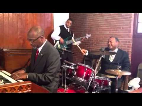 Jackson State Band Director Dowell Taylor on Organ 2012
