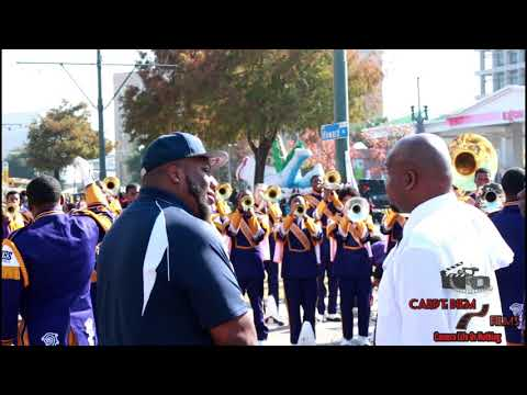 "Edna Karr ""Loyalty"" @ Krewe of Jingle N.O Christmas Parade (2017)"
