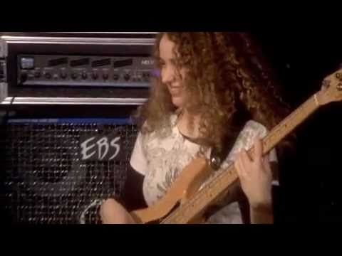 Jeff Beck Live with Gorgeous Tal Wilkenfeld on Bass Guitar