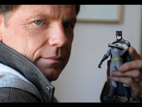 Bruce Greenwood reviews Batman