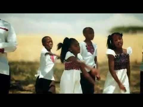 "Coca Cola ""insults"" Africa ?  advert'WHILE THE REST OF THE WORLD WORRIES ABOUT THE FUTURE, ONE BILLION AFRICANS ARE SHARING COKE'."
