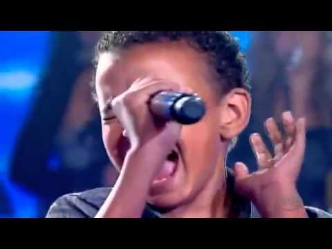 Amazing 12 year old Jotta singing worthy is the lambJotta A.-Agnus Dei - HQ.mp4