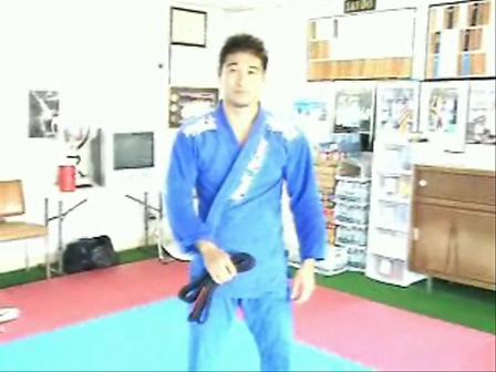 How to tie your belt...