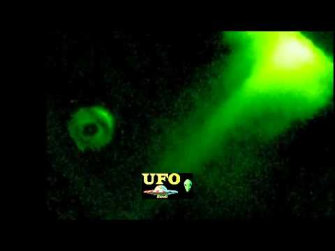 NASA IMAGES - HUGE DONUT SHAPE UFO ARRIVED NEAR THE SUN MAY 2012