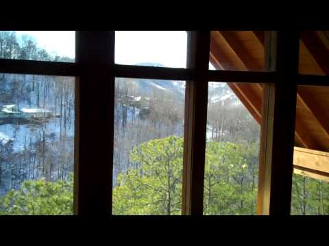 """It's a Wonderful Life"" - 4 Bedroom cabin in the Smoky Mountains"