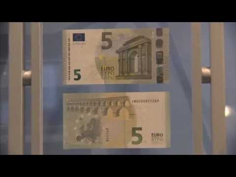 10 January 2013: Unveiling of the Europa series €5 banknote