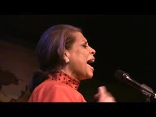 """GRAMMY WINNER PATTI AUSTIN sings """"Lean on Me"""" to QUINCY JONES at the Cafe Carlyle on his birthday!"""