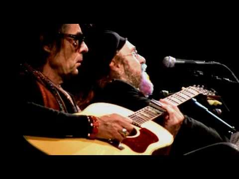 "Earl Slick and Mark Hudson do ""I'm Losing You"" @ John Lennon's 70th birthday celebration for Amnest…"
