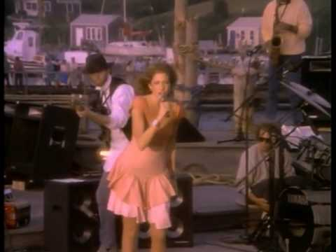 Carly Simon - Nobody Does It Better with Hugh McCracken