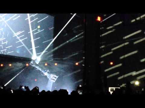 Au2013 robot Iris dancing to the music
