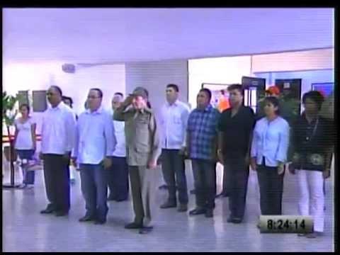 Raúl Castro rinde tributo al Comandante Presidente Hugo Chávez