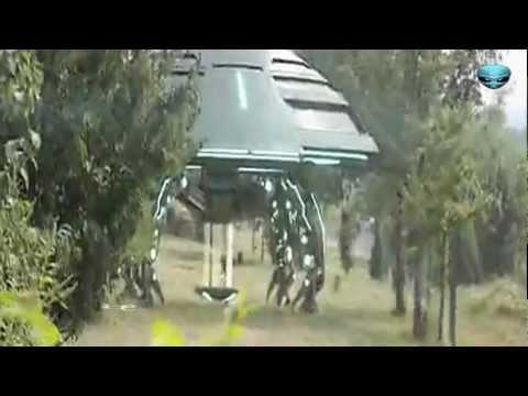 A Happy New Alien : 中国で着陸したUFOからエイリアン登場!