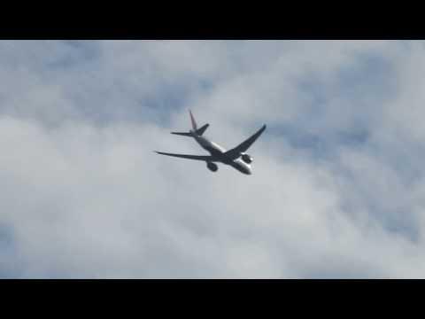 UFO sightings 2018  Passenger plane type UFO!?(=SS=wheel type light emitter)