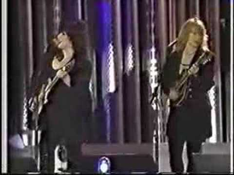Battle of Evermore - Ann & Nancy Wilson