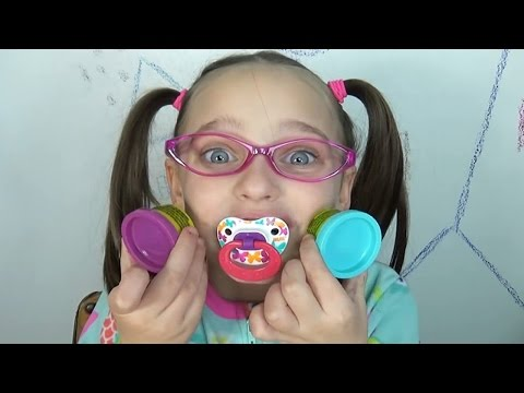 Crying baby - Bad Baby -Toy Freaks - School Lunch Food Fight Victoria Annabelle Hidden Egg