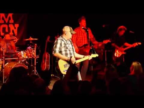 "Tom Dixon Live - ""Winning"" - Toby Keith's I Love This Bar & Grill"