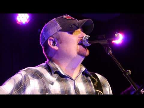 "Tom Dixon Live - ""Just Tell Me You Love Me"" - Toby Keith's I Love This Bar & Grill"