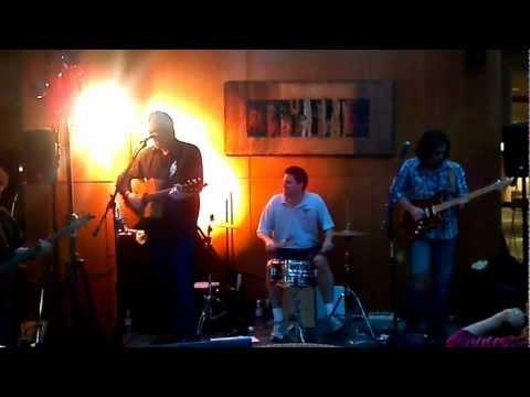 Garrett Steele with Jeff Cook of the supergroup Alabama perform Liza Jane.mp4