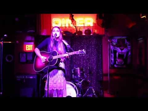 Phl Live Pop Finalist Emma Cullen @ Silk City