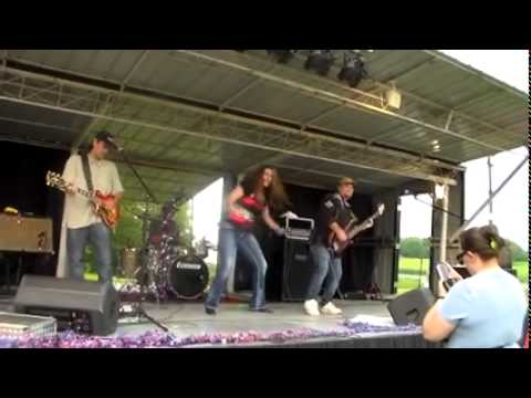Pontoon performed by Mocking Bird Hill at the Bluegill Music Festival