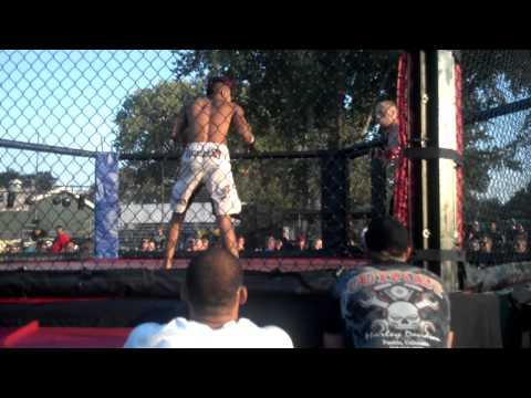 Zac Riley vs Dylon the Rooster Oligo ammy fight