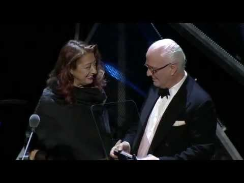 Manolo Blahnik CBE wins British Fashion Award 2012, presented by Zaha Hadid DBE.