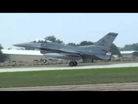 "F-16 Crash Oshkosh Footage  ""Air Venture 2011""  Rear Flaps Not Deployed?"