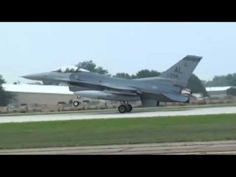 "F-16 Crash Oshkosh Footage  ""Air Venture 2011""  Rear Flaps Not Deployed?"
