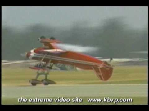 "Plane Lands Upside Down / Craig Hosking's Pitts S-2 ""Double Take"""