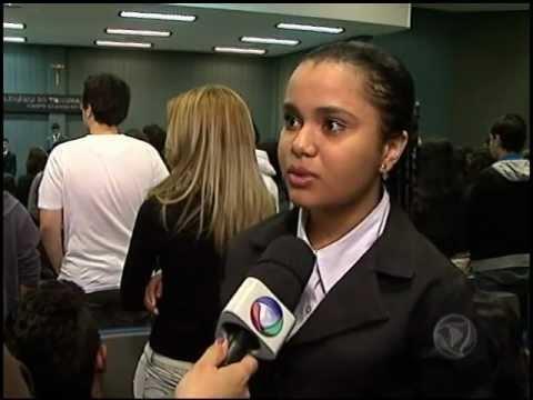Júri simulado entrevista TV Record- E.E. Adventor Divino de Almeida .avi